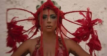 Lady Gaga: la foto del nuovo look color lilla conquista tutti
