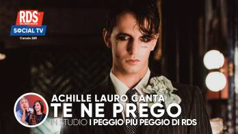Achille Lauro canta 'Te ne prego' con I Peggio più Peggio di RDS sulla RDS Social TV