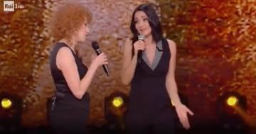"""Fiorella Mannoia e Ambra hanno cantato insieme """"T'Appartengo"""": il video"""