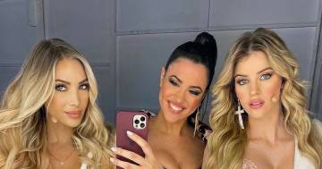 Claudia Ruggeri, Laura Cremaschi e Sara Croce: il selfie in accappatoio conquista i follower