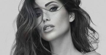Elegante e bellissima, Federica Nargi in un seducente ritratto in bianco e nero