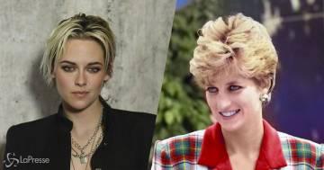 Kristen Stewart sarà Lady D. nel nuovo film Spencer: ecco la prima foto, la somiglianza è incredibile