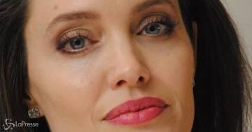 Angelina Jolie apre le porte della sua villa e si racconta: le immnagini