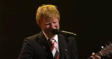 Ed Sheeran si commuove presentando un brano inedito scritto durante il lockdown