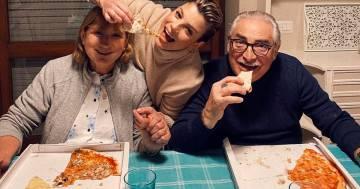 """Il bellissimo messaggio di Emma Marrone ai suoi genitori: """"Vi dedico tutto"""""""