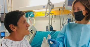 La nuova foto di Gianni Morandi dall'ospedale è una bellissima dedica alla moglie Anna