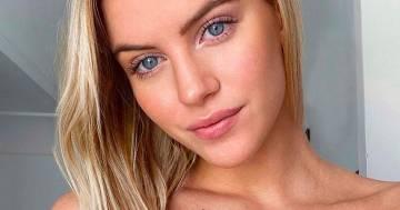 Sara Croce è più bella che mai, la foto in topless scatena i fan