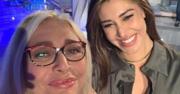 Belén scoppia in lacrime da Mara Venier: 'Scusate sono incinta'