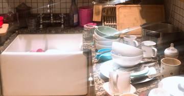 Una casalinga sciopera e mostra il risultato su Twitter: un caos