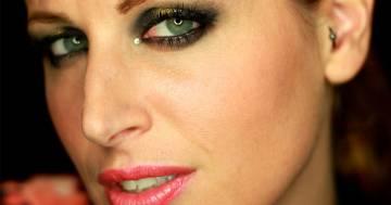 Clio Zammatteo: nella foto ricordo è quasi irriconoscibile senza Make Up