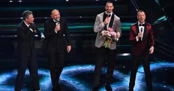 "Sanremo 2021: Sinisa Mihajlovic e Zlatan Ibrahimovic cantano ""Io vagabondo"" dei Nomadi"