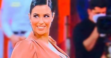 Fisico scolpito e sorriso seducente, Claudia Ruggeri è stupenda