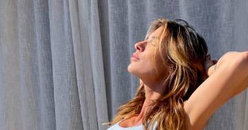 Elisabetta Canalis risplende, la foto in intimo fa innamorare i fan