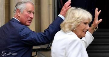 Carlo e Camilla: il presunto figlio segreto pubblica una nuova 'prova'