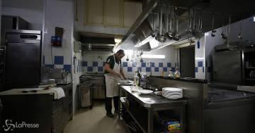 Dai ristoranti alle palestre: il calendario delle riaperture proposto dalle Regioni