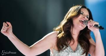 Laura Pausini agli Oscar: la dedica alla figlia, con foto, stupisce tutti