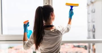 Il tribunale lo obbliga a pagare 60.000 euro all'ex moglie come risarcimento per i lavori domestici