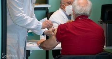 Firmato il protocollo per i vaccini nelle aziende: si partirà a maggio