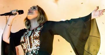 Bellissima e senza trucco: ecco la foto pubblicata da Adele per il suo compleanno