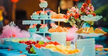Un menù diverso in base al regalo ricevuto: l'invito al matrimonio scatena le polemiche
