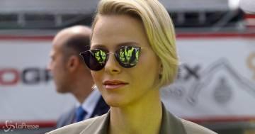Addio caschetto biondo: Charlène di Monaco con il look ancora più punk conquista tutti