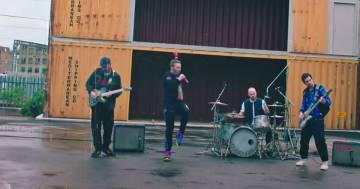 I Coldplay pubblicano il video tutorial per ballare 'Higher Power'