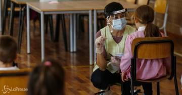 """Il piano del generale Figliuolo: """"faremo le vaccinazioni anche nelle scuole"""""""