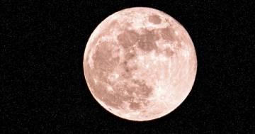È in arrivo la luna delle fragole: ecco quando ammirarla