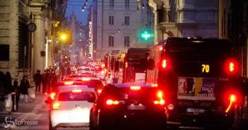 A Roma i semafori aiuteranno i cittadini a trovare parcheggio riducendo il traffico