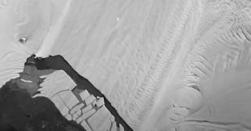 Il timelapse dello scioglimento del ghiacciaio di Pine Island in Antartide