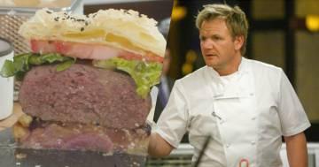 Gordon Ramsay pubblica la ricetta del suo hamburger 'perfetto' dai 20 ingredienti che fa discutere