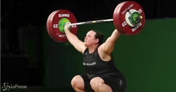Laurel Hubbard, prima atleta transgender alle Olimpiadi: ecco perché non può essere contestata