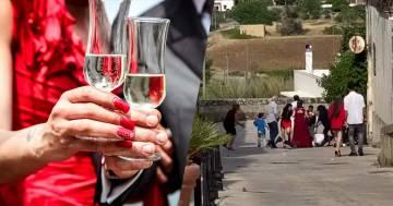 Il testimone esagera al momento del brindisi: e il matrimonio in Puglia finisce in rissa