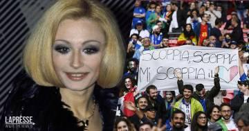 """Euro 2020, Italia e Spagna si riscaldano sulle note di """"A far l'amore comincia tu"""" di Raffaella Carrà"""