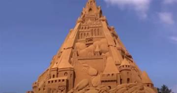 In Danimarca è stato costruito il castello di sabbia più alto del mondo: ecco le immagini