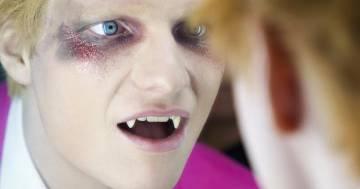"""Ecco come Ed Sheeran si è trasformato in un vampiro nel video di """"Bad habits"""""""