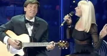 """Gianni Morandi e Raffaella Carrà cantano """"Il mio canto libero"""" di Battisti: il video è emozionante"""