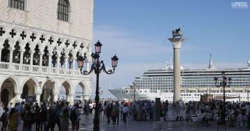 Venezia, stop alle grandi navi davanti a San Marco e sul canale della Giudecca