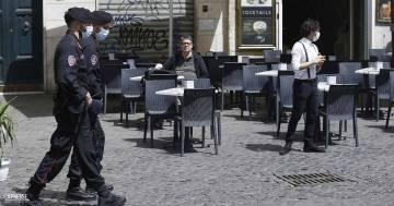Green pass obbligatorio per palestre, stadi e ristoranti: le ipotesi del Governo per frenare i nuovi contagi