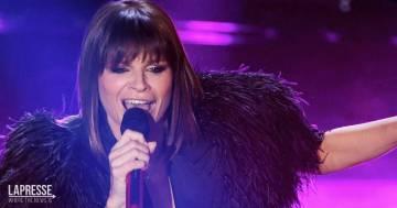 """Alessandra Amoroso annuncia il nuovo album: """"Tutto Accade"""" uscirà il 22 ottobre"""