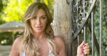 Sabrina Salerno e l'ultimo bikini della stagione: ecco la reazione dei follower