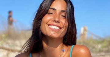 Federica Nargi: il saluto all'estate in bikini azzurro è 'a tutto volume'