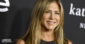 Jennifer Aniston: nel post mostra i capelli e annuncia il lancio di una nuova linea beauty