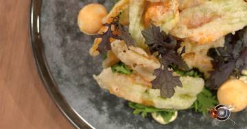 Croquette di grana padano con maionese tartufata e fiori di zucchina - Alessandro Borghese Kitchen Sound - Amici Miei
