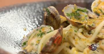 Spaghetti con vongole veraci, lime e bottarga di muggine - Alessandro Borghese Kitchen Sound - Amici Miei