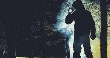 Ubriaco dato per disperso si unisce al gruppo che lo stava cercando nel bosco