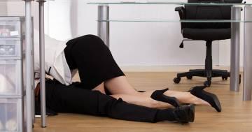 I tradimenti in ufficio aumentano la produttività sul lavoro: lo dice questo sondaggio