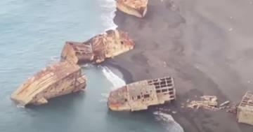 Giappone, l'attività vulcanica porta a galla navi della seconda guerra mondiale: il video